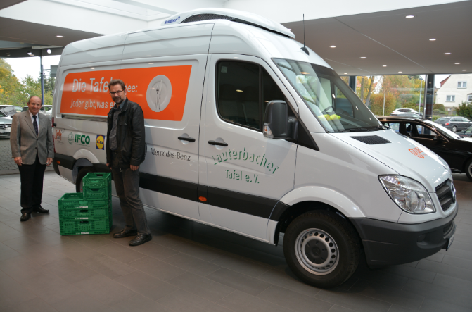 IFCO supports Food Bank in Lauterbach with vehicle sponsoring
